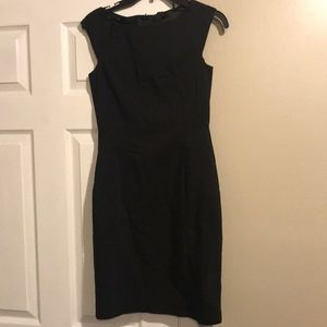 Cute back dress size 6